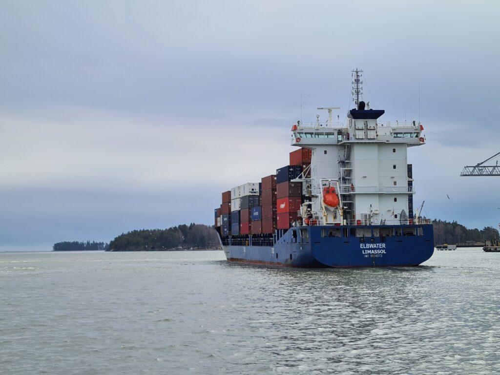Olympiarahti laiva lähtee